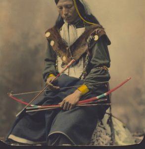 Indianer mit Pfeil und Bogen